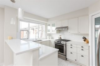 """Photo 8: 401 2071 W 42ND Avenue in Vancouver: Kerrisdale Condo for sale in """"THE LAUREATES"""" (Vancouver West)  : MLS®# R2358228"""