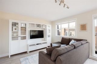 """Photo 5: 401 2071 W 42ND Avenue in Vancouver: Kerrisdale Condo for sale in """"THE LAUREATES"""" (Vancouver West)  : MLS®# R2358228"""