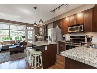 """Photo 7: 4 21661 88 Avenue in Langley: Walnut Grove Townhouse for sale in """"MONTERRA"""" : MLS®# R2362682"""