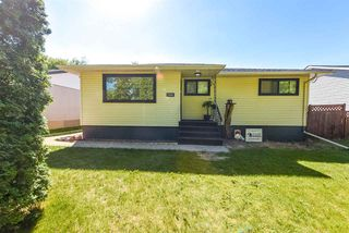 Photo 2: 11910 38 Street in Edmonton: Zone 23 House for sale : MLS®# E4157111