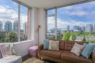 "Main Photo: 702 221 UNION Street in Vancouver: Strathcona Condo for sale in ""V6A"" (Vancouver East)  : MLS®# R2372074"