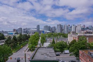 "Photo 3: 702 221 UNION Street in Vancouver: Strathcona Condo for sale in ""V6A"" (Vancouver East)  : MLS®# R2372074"