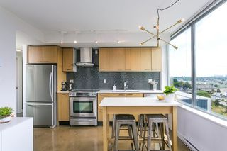 "Photo 7: 702 221 UNION Street in Vancouver: Strathcona Condo for sale in ""V6A"" (Vancouver East)  : MLS®# R2372074"