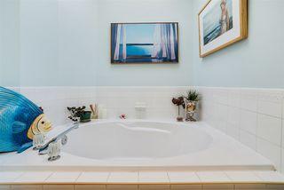 Photo 17: 7108 156 Avenue in Edmonton: Zone 28 House for sale : MLS®# E4158157