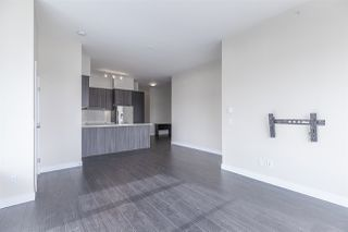 "Photo 3: 711 668 COLUMBIA Street in New Westminster: Quay Condo for sale in ""TRAPP+HOLBROOK"" : MLS®# R2376766"