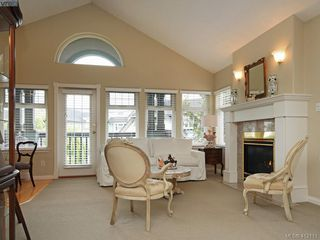 Photo 5: 244 4484 Chatterton Way in VICTORIA: SE Broadmead Condo Apartment for sale (Saanich East)  : MLS®# 412111