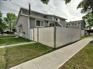 Main Photo: 10440 27 Avenue NW in Edmonton: Zone 16 Townhouse for sale : MLS®# E4164540