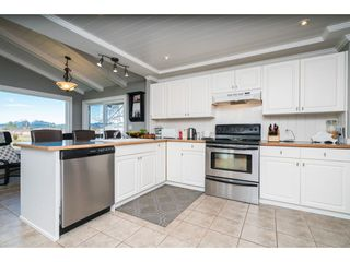 Photo 6: 21985 61 Avenue in Langley: Salmon River House for sale : MLS®# R2386569
