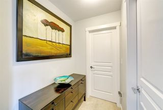 """Photo 6: 82 8138 204 Street in Langley: Willoughby Heights Townhouse for sale in """"Ashbury and Oak by Polygon"""" : MLS®# R2415255"""