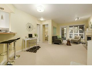 Photo 4: 112 2161 12TH Ave W in Vancouver West: Home for sale : MLS®# V1126859