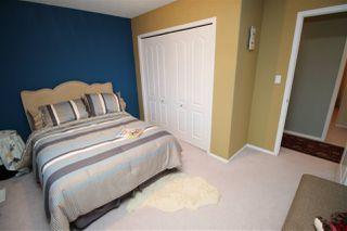 Photo 32: 1192 WEDGEWOOD Boulevard in Edmonton: Zone 20 House for sale : MLS®# E4182694