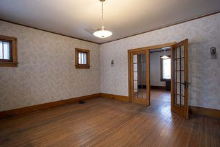 Photo 4: 492 Dominion Street in Winnipeg: Wolseley Residential for sale (5B)  : MLS®# 202005747