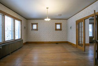 Photo 3: 492 Dominion Street in Winnipeg: Wolseley Residential for sale (5B)  : MLS®# 202005747
