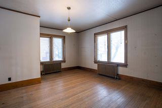 Photo 6: 492 Dominion Street in Winnipeg: Wolseley Residential for sale (5B)  : MLS®# 202005747