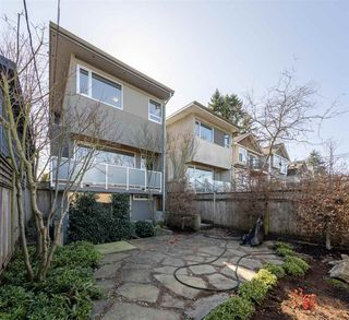 Photo 14: 535 E 31ST Avenue in Vancouver: Fraser VE House for sale (Vancouver East)  : MLS®# R2446488
