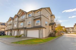 Photo 1: 139-1055 Riverwood Gate in Port Coquitlam: Riverwood Townhouse for sale : MLS®# R2444574