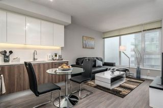 Photo 4: 3904 4900 LENNOX Lane in Burnaby: Metrotown Condo for sale (Burnaby South)  : MLS®# R2450425