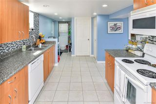Photo 21: 531 E Burnside Rd in Victoria: Vi Burnside Single Family Detached for sale : MLS®# 840575