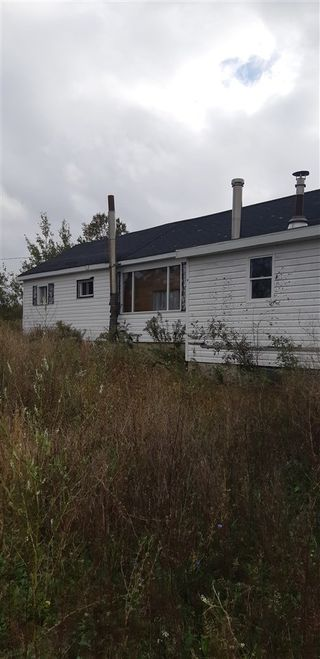 Photo 1: 820 Highway 215 in Walton: 403-Hants County Residential for sale (Annapolis Valley)  : MLS®# 202021456