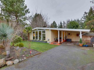 Photo 2: 1362 FARRELL Avenue in Delta: Beach Grove House for sale (Tsawwassen)  : MLS®# R2526426