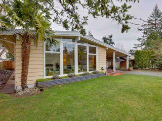 Photo 1: 1362 FARRELL Avenue in Delta: Beach Grove House for sale (Tsawwassen)  : MLS®# R2526426
