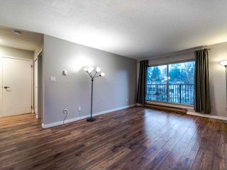 "Photo 7: 206 10468 148 Street in Surrey: Guildford Condo for sale in ""Guildford Greene"" (North Surrey)  : MLS®# R2528190"