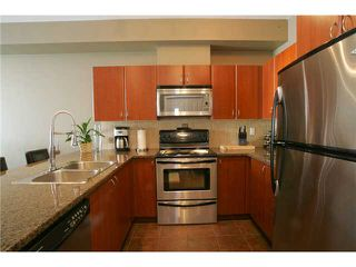 Photo 2: 205 2346 MCALLISTER Avenue in Port Coquitlam: Central Pt Coquitlam Condo for sale : MLS®# V894924