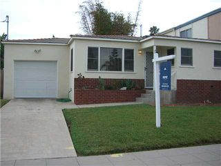 Photo 2: PACIFIC BEACH House for sale : 2 bedrooms : 4276 Lamont