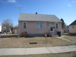 Photo 1: 220 2nd Avenue Northeast in DAUPHIN: Manitoba Other Residential for sale : MLS®# 1200580