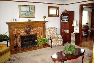 Photo 2:  in 1: Home for sale : MLS®# V561415