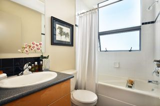 Photo 9: 508 919 Station Street in The Left Bank: Home for sale : MLS®# V1001996