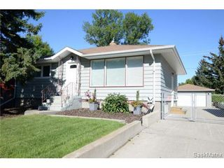 Photo 1: 406 BROADWAY Avenue East in Regina: Arnhem Place Single Family Dwelling for sale (Regina Area 03)  : MLS®# 511876