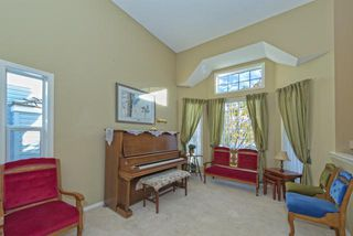Photo 2: 278 VALLEY BROOK CIR NW in Calgary: Valley Ridge Residential Detached Single Family  : MLS®# C3639142