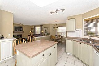 Photo 6: 278 VALLEY BROOK CIR NW in Calgary: Valley Ridge Residential Detached Single Family  : MLS®# C3639142