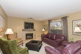 Photo 8: 278 VALLEY BROOK CIR NW in Calgary: Valley Ridge Residential Detached Single Family  : MLS®# C3639142