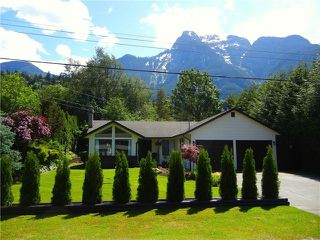 "Photo 2: 65932 PARK Avenue in Hope: Hope Kawkawa Lake House for sale in ""HOPE CENTER"" : MLS®# H2150415"