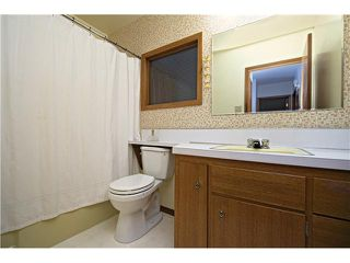 Photo 13: 3112 LANCASTER Way SW in Calgary: Lakeview House for sale : MLS®# C3654230