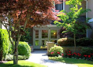 "Photo 1: 202 1250 55TH Street in Tsawwassen: Cliff Drive Condo for sale in ""SANDOLLAR"" : MLS®# V1121099"