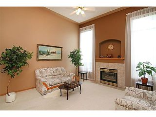 Photo 3: 142 SHAWBROOKE Green SW in Calgary: Shawnessy House for sale : MLS®# C4019176