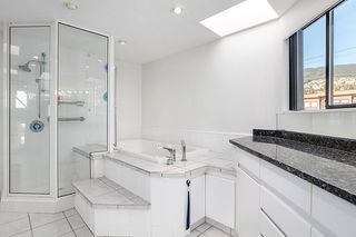 Photo 17: 2309 BELLEVUE Avenue in West Vancouver: Dundarave House 1/2 Duplex for sale : MLS®# R2023795