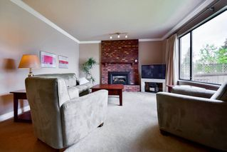 Photo 2: 6941 AUBREY Street in Burnaby: Sperling-Duthie House 1/2 Duplex for sale (Burnaby North)  : MLS®# R2062363