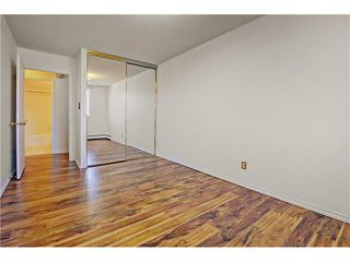 Photo 15: 21C 80 GALBRAITH Drive SW in Calgary: Glamorgan Condo for sale : MLS®# C4061814
