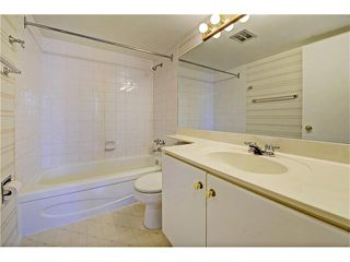 Photo 13: 21C 80 GALBRAITH Drive SW in Calgary: Glamorgan Condo for sale : MLS®# C4061814