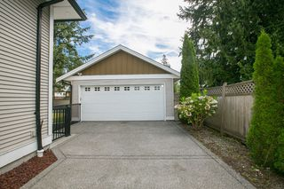 Photo 3: 691 FIRDALE Street in Coquitlam: Central Coquitlam House for sale : MLS®# R2101344