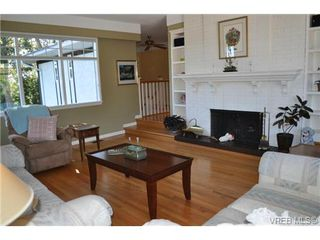 Photo 4: 3942 N Shorncliffe Rd in VICTORIA: SE Cedar Hill Single Family Detached for sale (Saanich East)  : MLS®# 740391