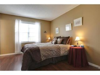 Photo 9: 463 PRESTWICK Circle SE in Calgary: 2 Storey for sale : MLS®# C3524474
