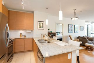 "Photo 5: 907 110 BREW Street in Port Moody: Port Moody Centre Condo for sale in ""ARIA 1"" : MLS®# R2112290"