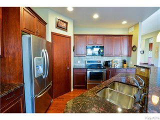 Photo 4: 35 Edenwood Place in Winnipeg: Royalwood Residential for sale (2J)  : MLS®# 1626316