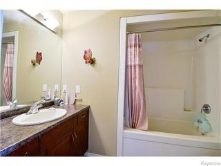 Photo 18: 35 Edenwood Place in Winnipeg: Royalwood Residential for sale (2J)  : MLS®# 1626316