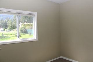Photo 10: 230 CARIBOO Avenue in Hope: Hope Center House for sale : MLS®# R2143805